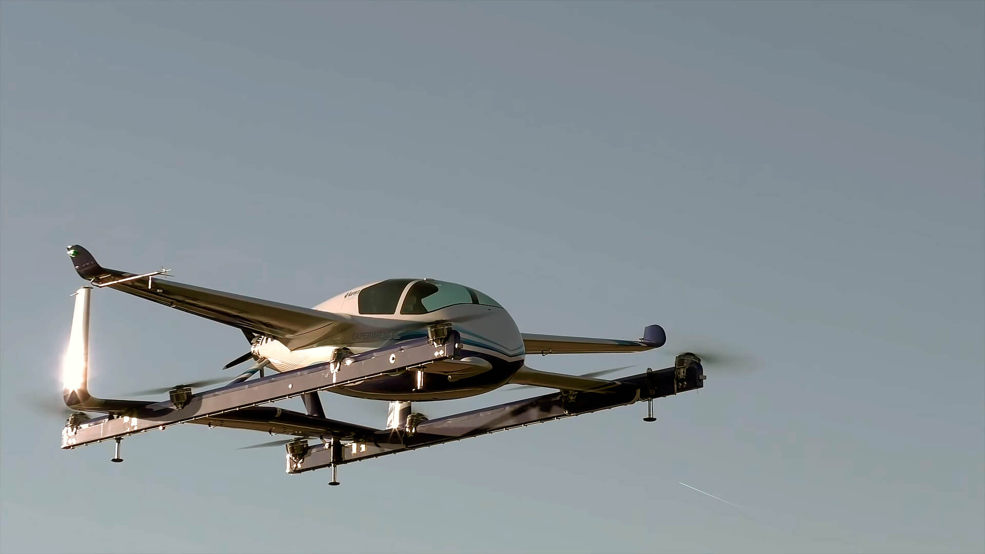 Беспилотный электрический самолет Boeing совершил первый испытательный полет
