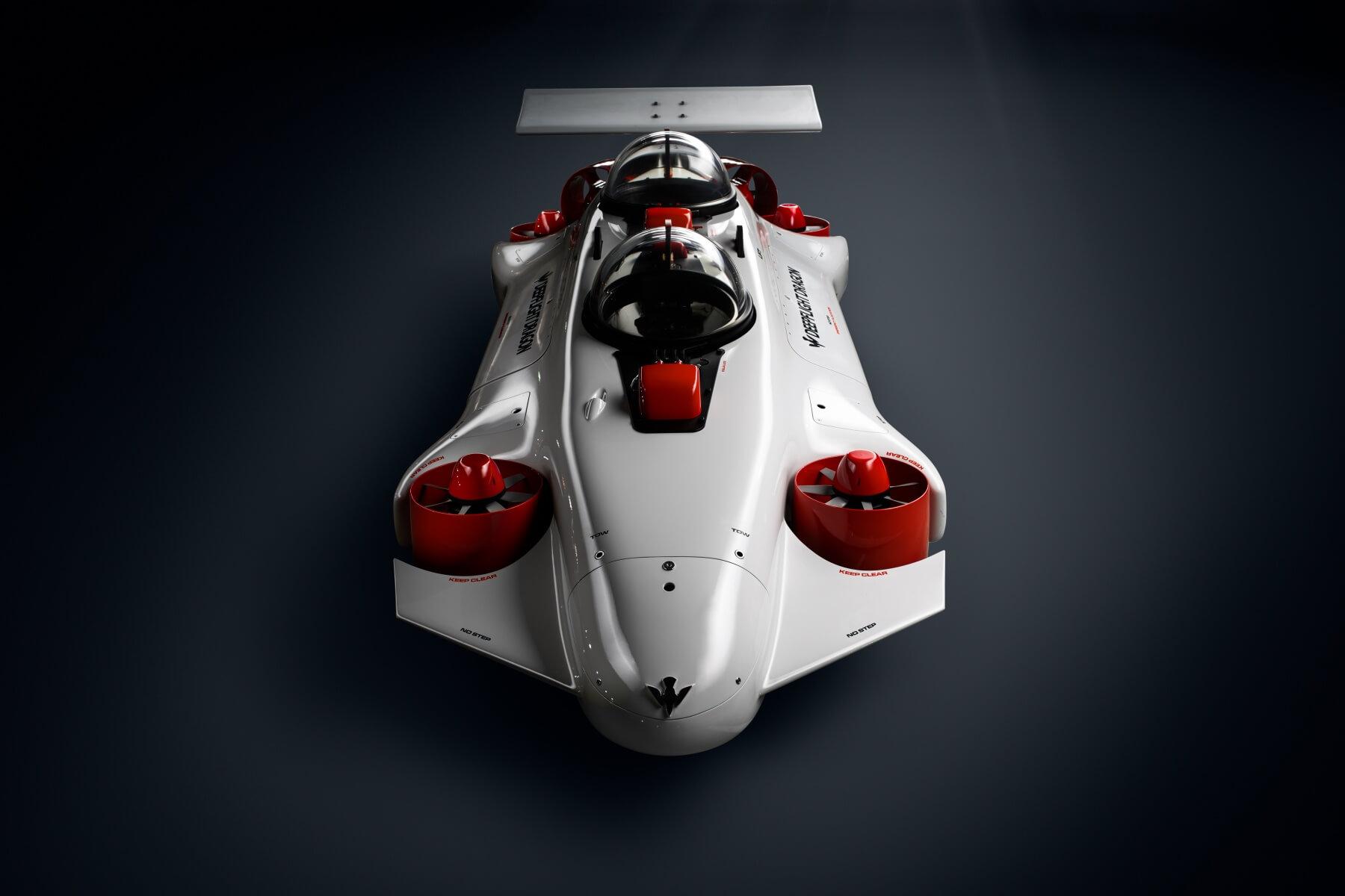 Электрическая субмарина DeepFlightDragon - вид спереди
