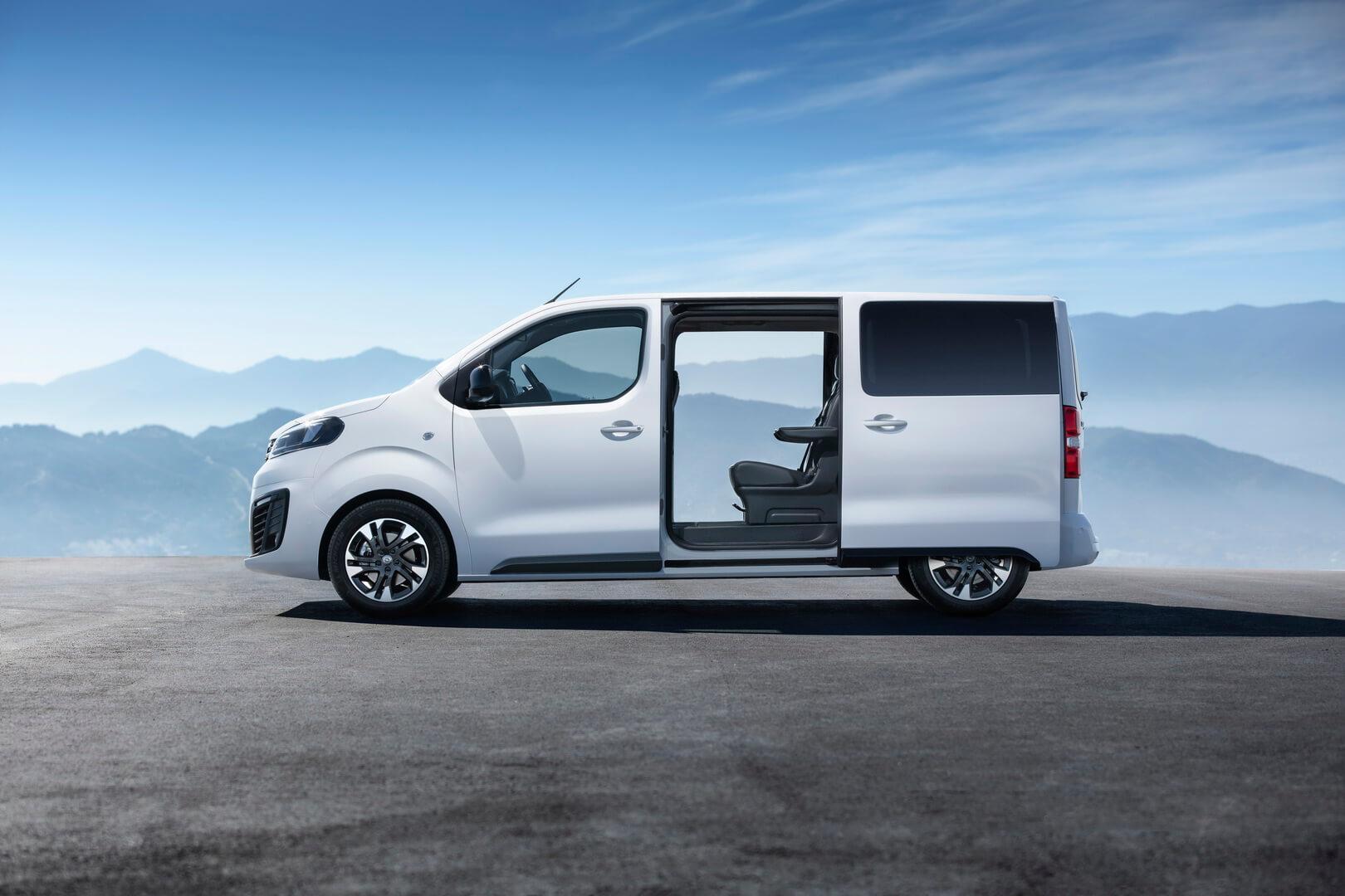 Фургон Opel Zafira Life в ДВС версии