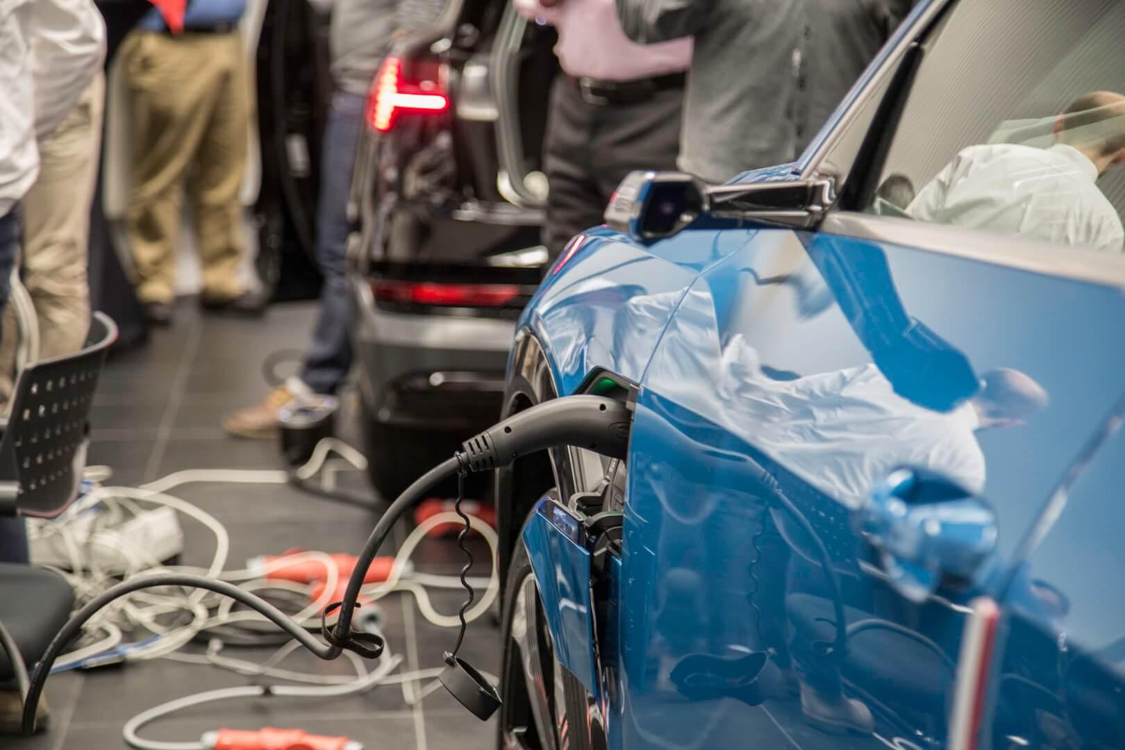 Audi e-tron испытывает новый стандарт EEBUS