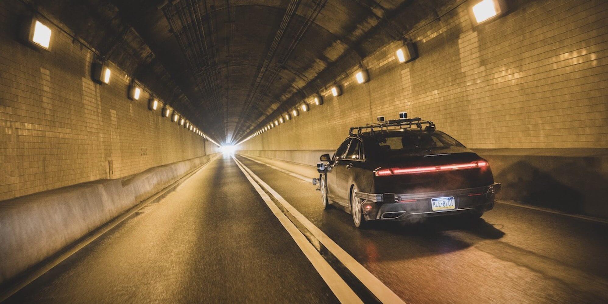 Amazon инвестировал в автономные технологии вождения $530 млн