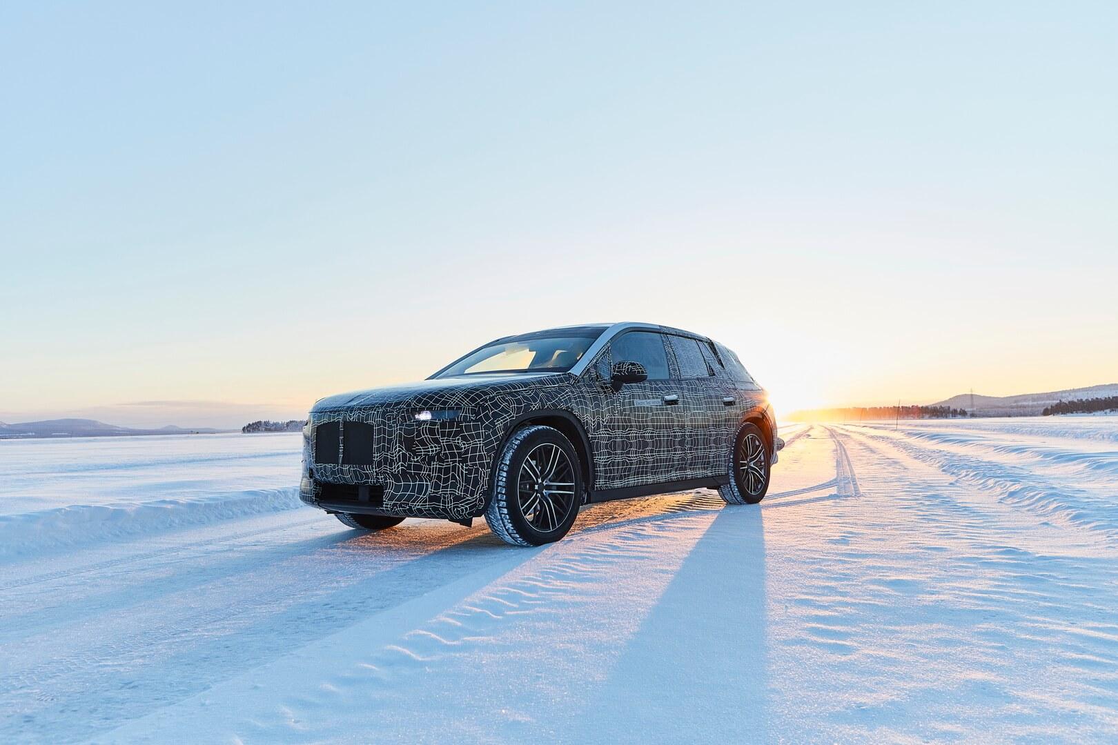 Тестовый прототип BMW iNEXT на зимних испытаниях