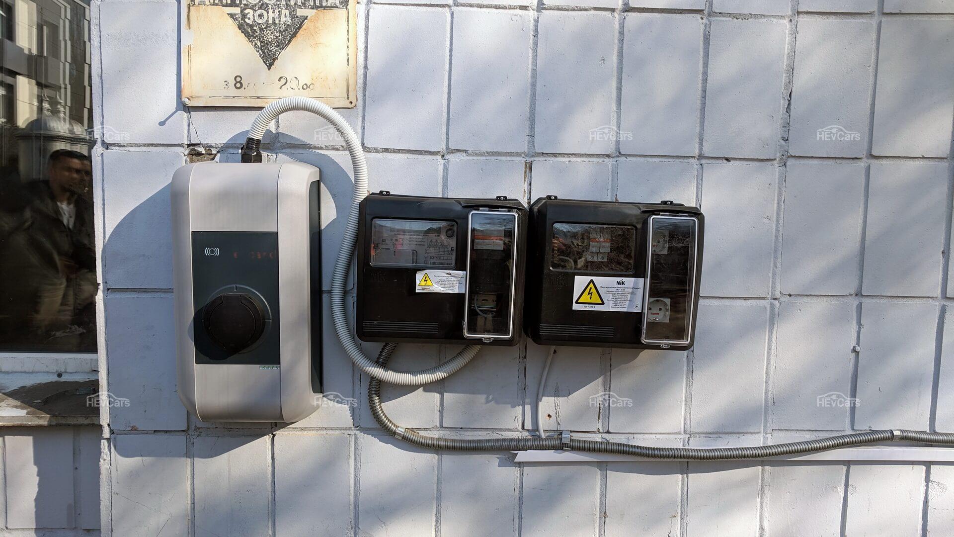 На собственных площадках компании вКиеве установлено 6зарядных пунктов мощностью 22кВт