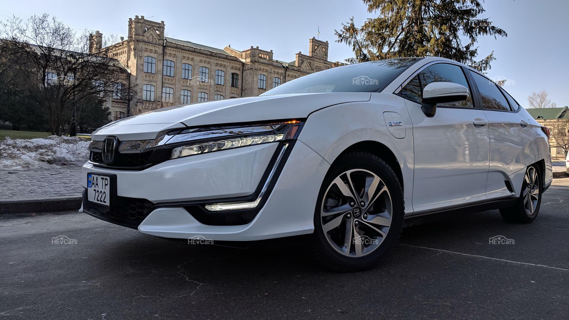 Экстерьер плагин-гибрида Honda Clarity PHEV
