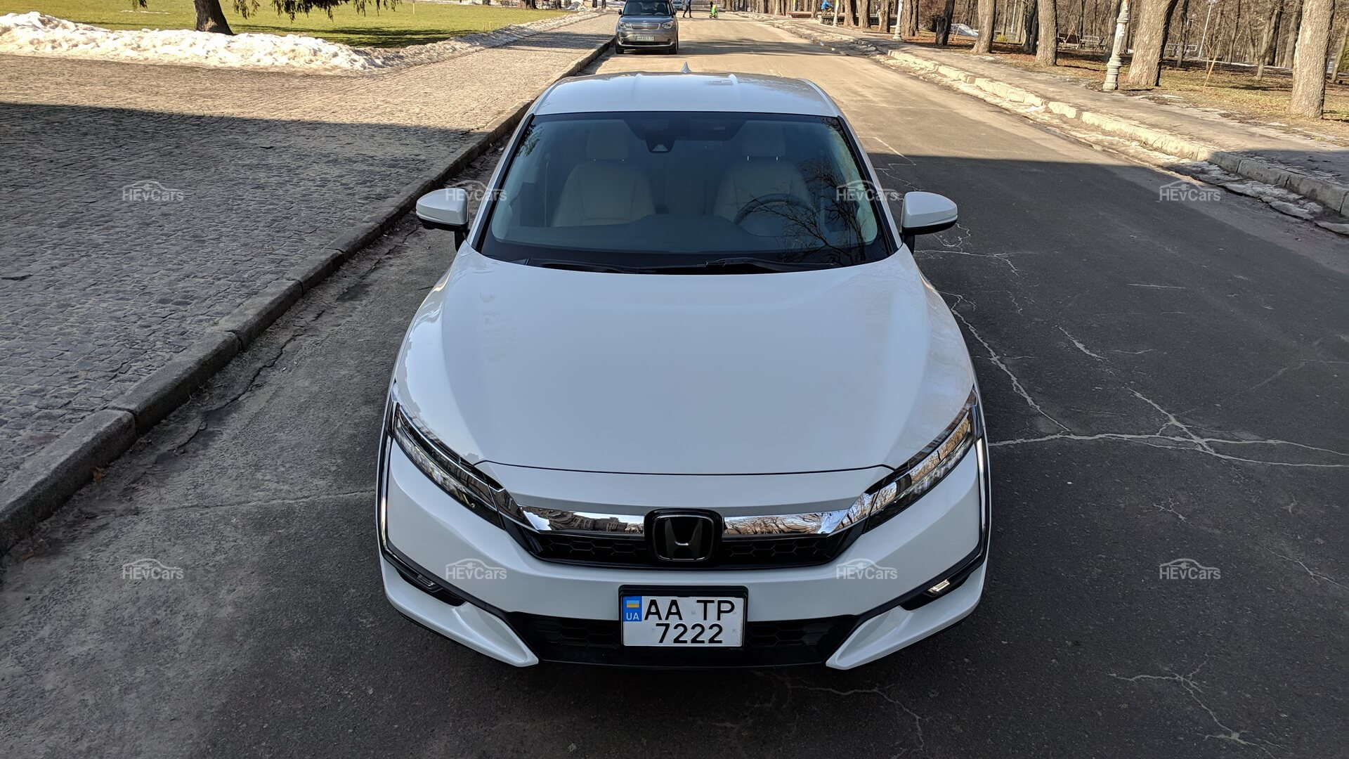 Дизайн Honda Clarity Plug-In Hybrid - вид спереди