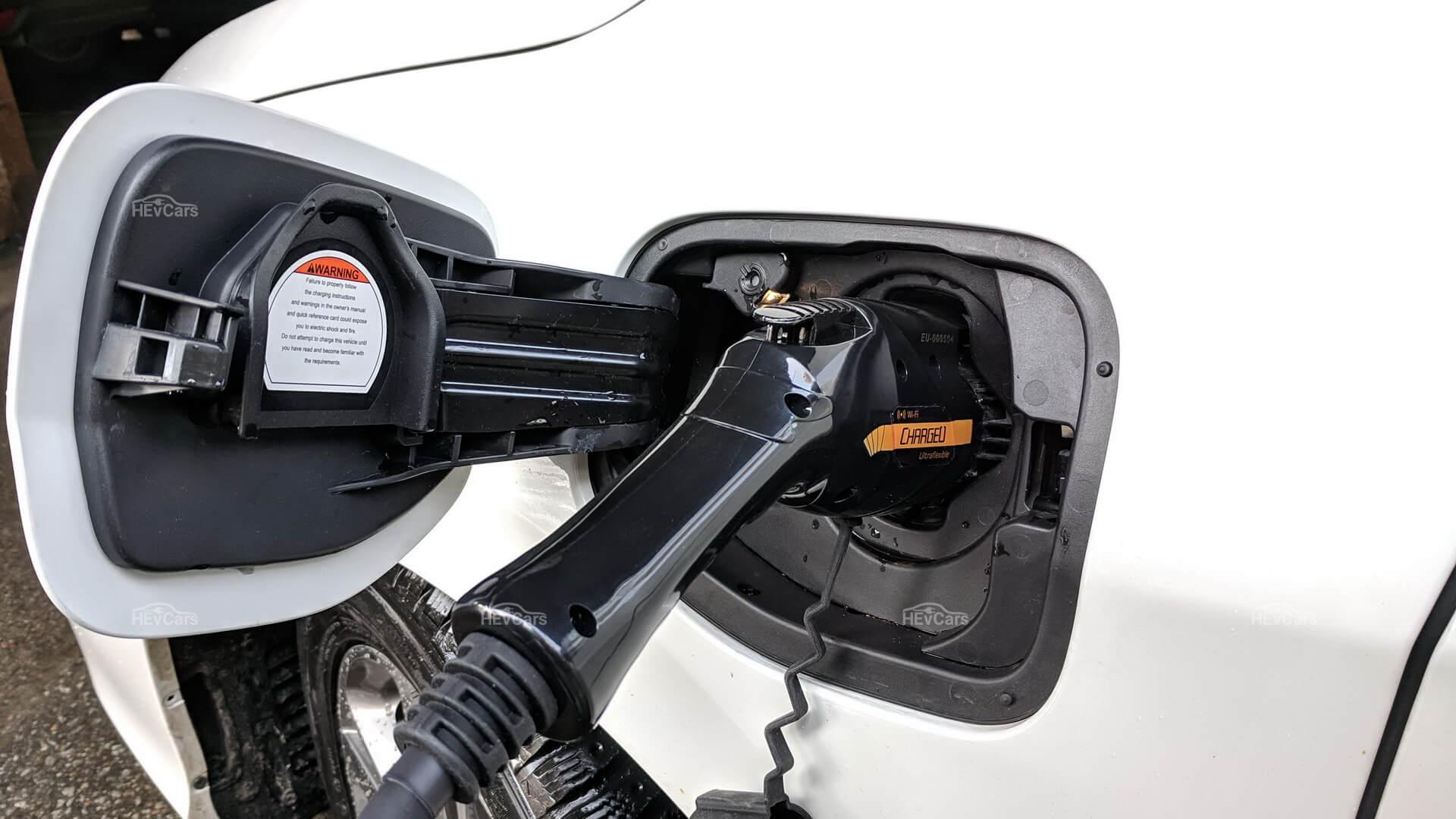 Зарядка Honda Clarity PHEV