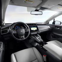 Фотография экоавто Электромобиль Honda Clarity - фото 17