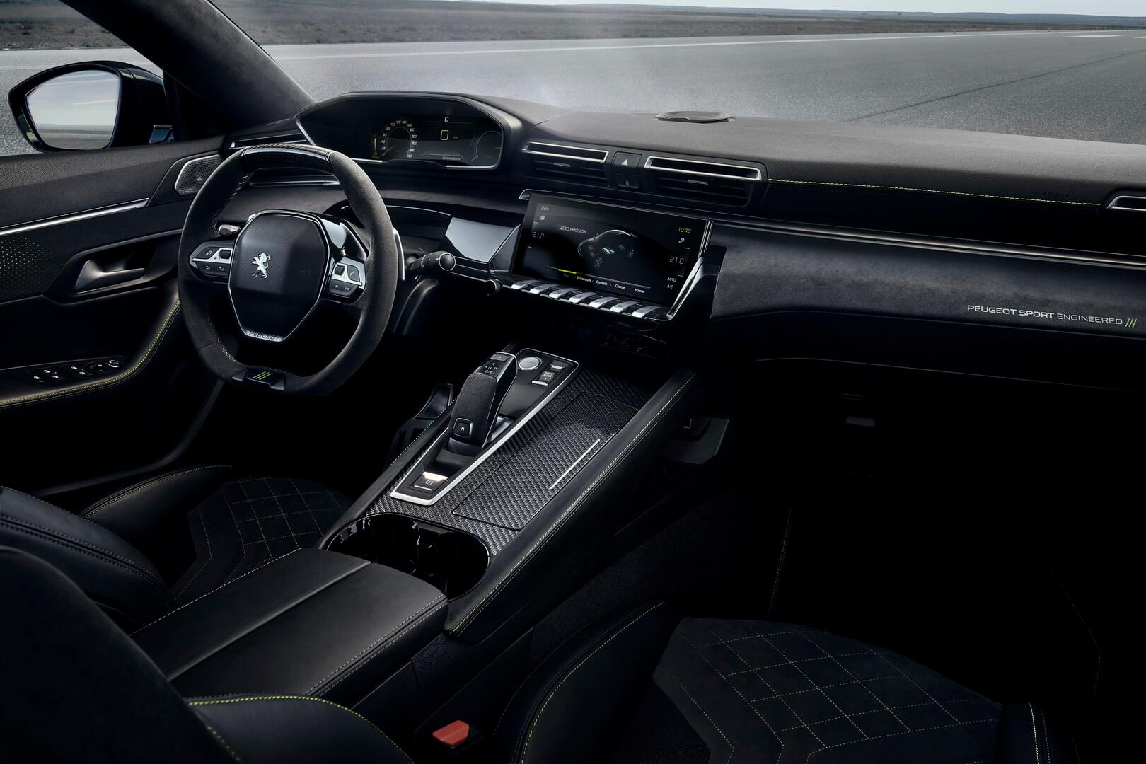 Интерьер плагин-гибридного концепта Peugeot 508 Sport Engineered