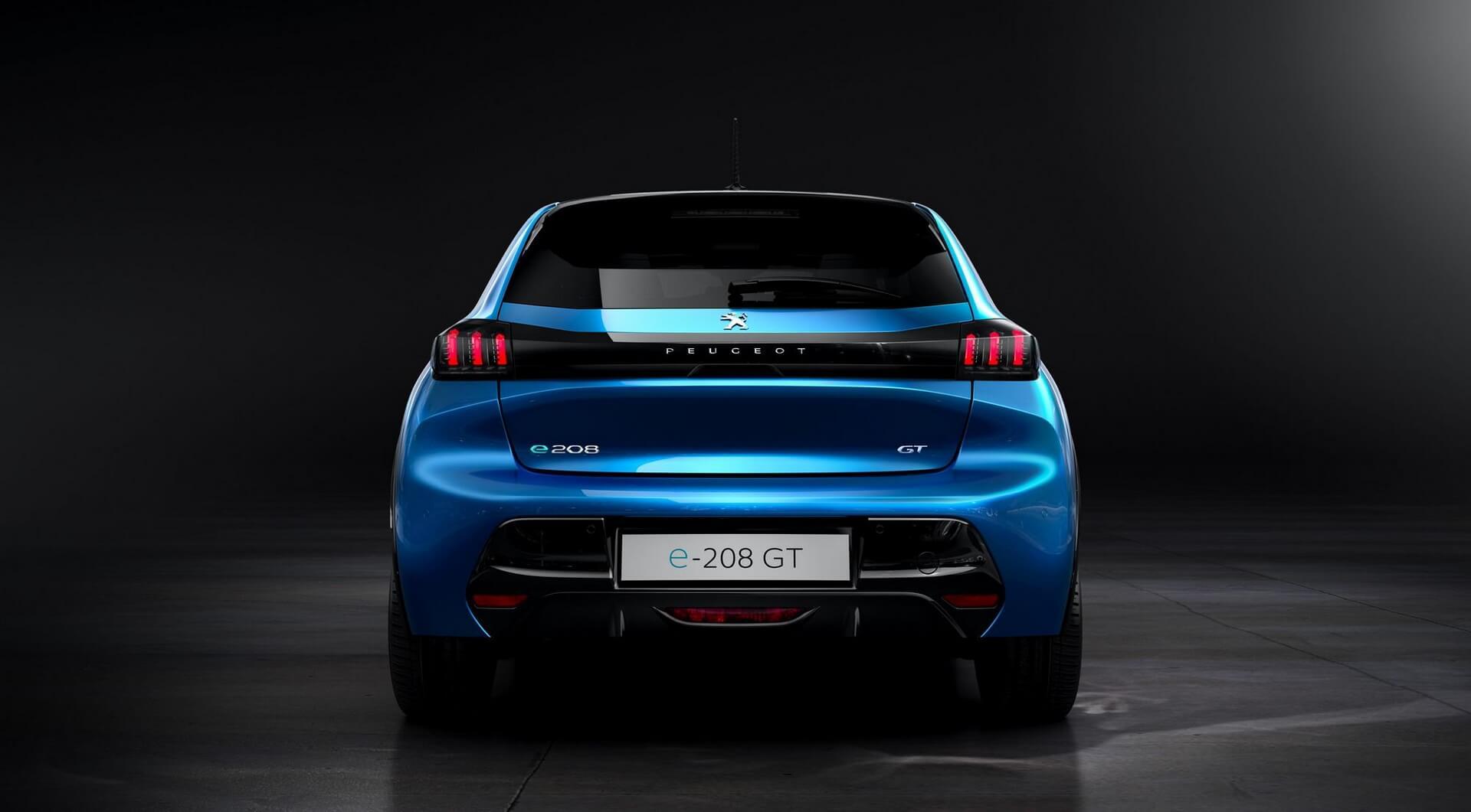 Электромобиль Peugeot e-208: e-motion - вид сзади