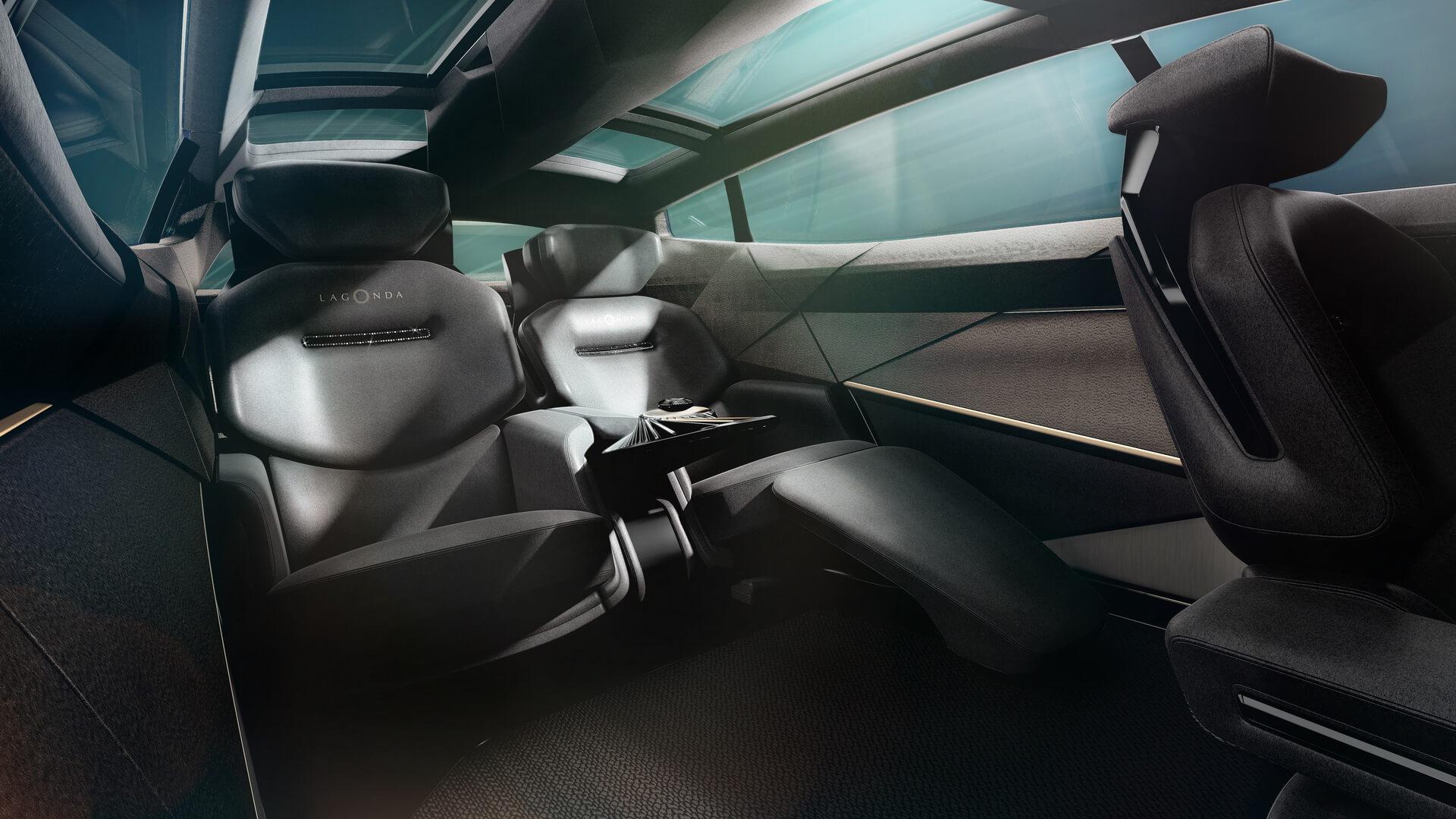 Задний ряд сидений Lagonda All-Terrain