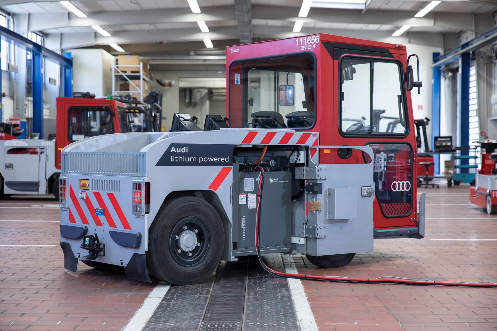 Audi устанавливает использованные литий-ионные аккумуляторы назаводские транспортные средства