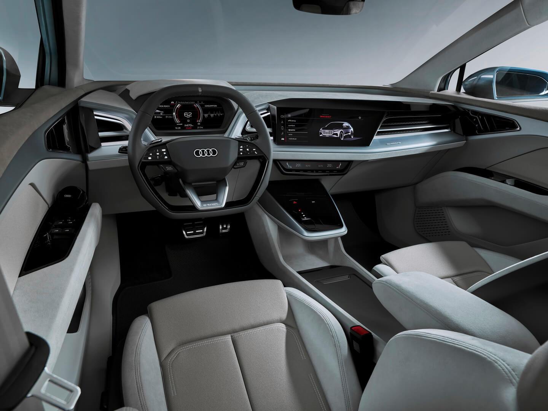 Салон электрического кроссовера Audi Q4e-tron