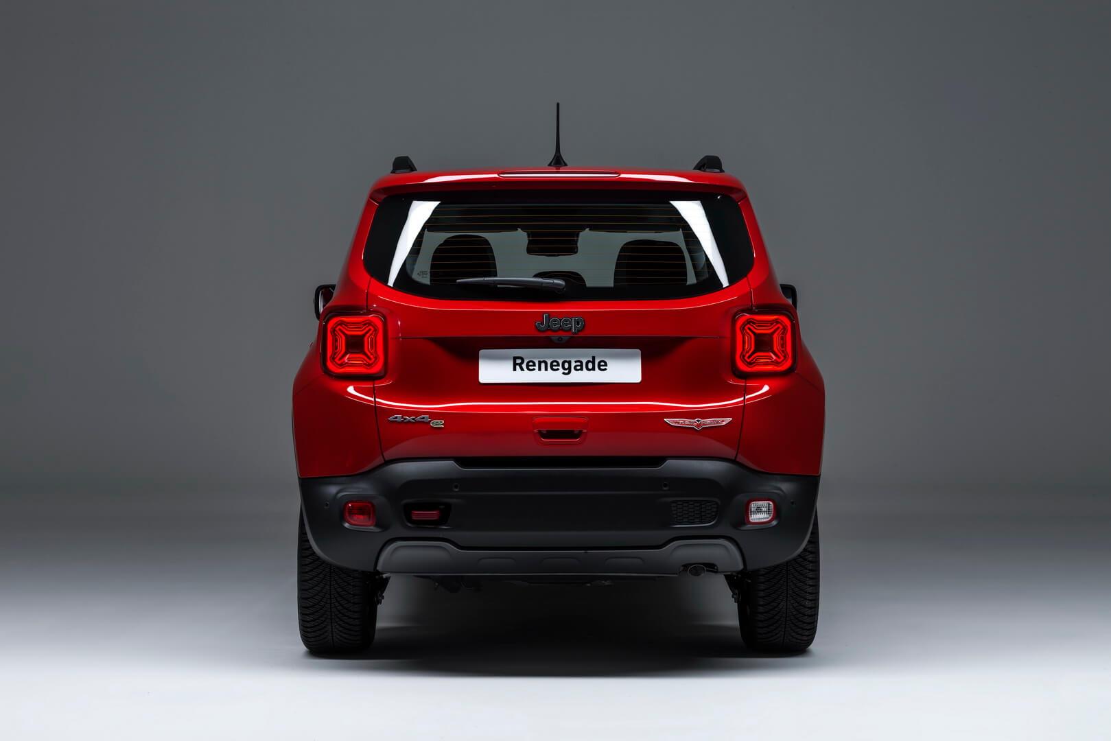 Плагин-гибрид Jeep Renegade - вид сзади