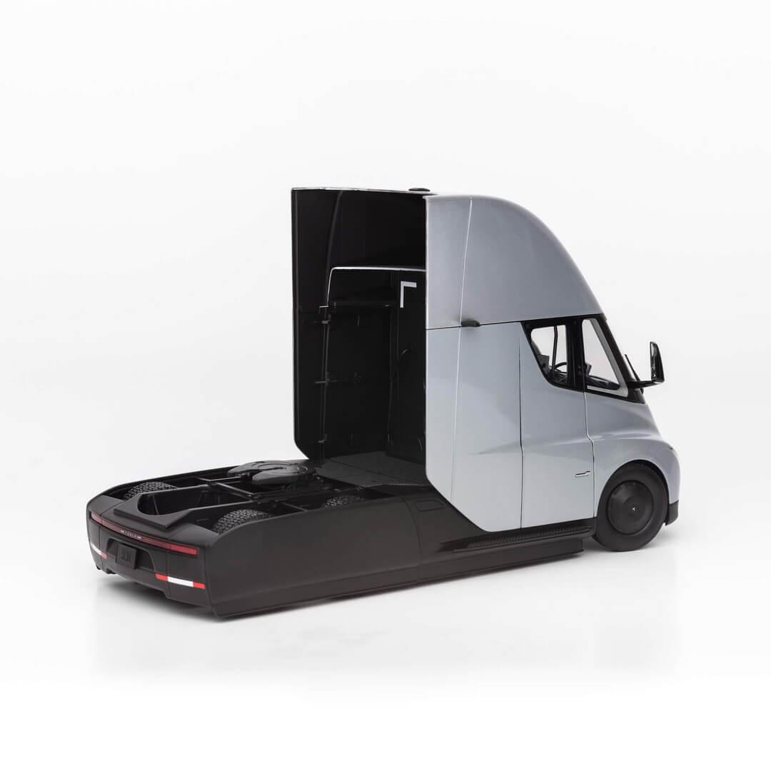 Tesla Semi в масштабе 1 к 24 - фото 3