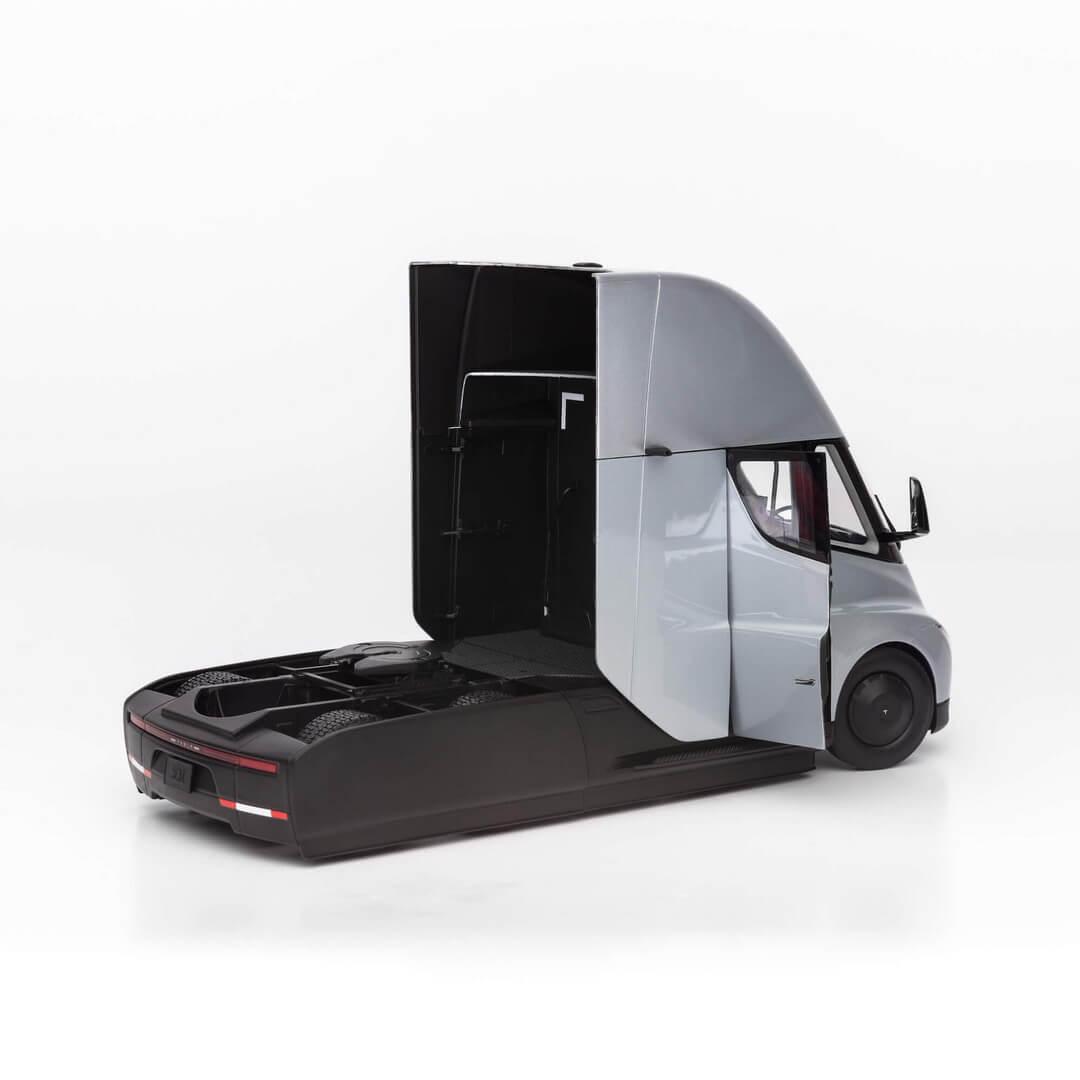 Tesla Semi в масштабе 1 к 24 - фото 5
