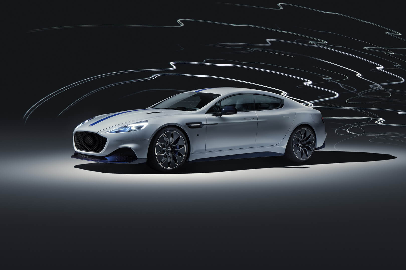 Aston Martin Rapide E дебютировал на автосалоне в Шанхае