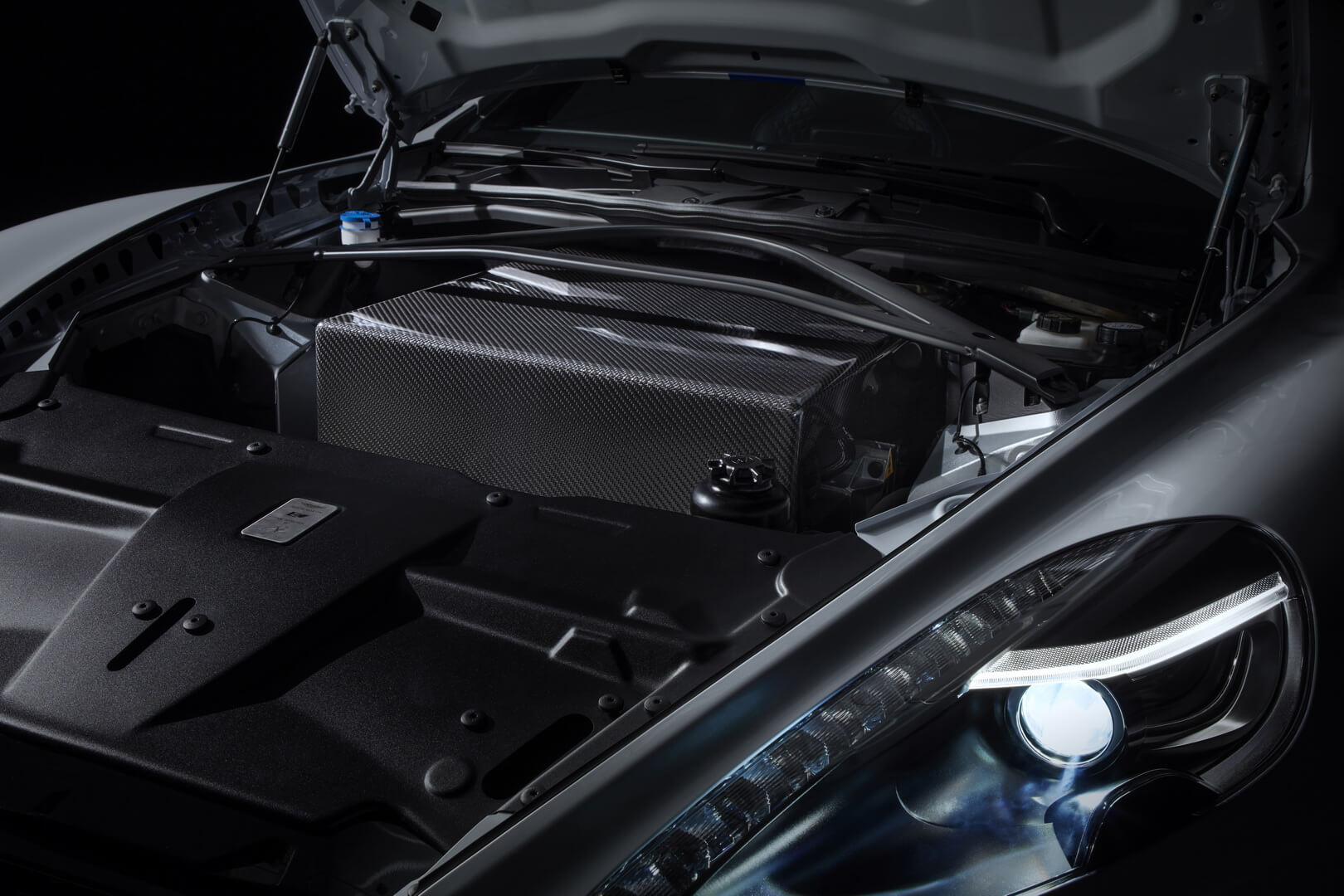 Электродвигатель Aston Martin Rapide E