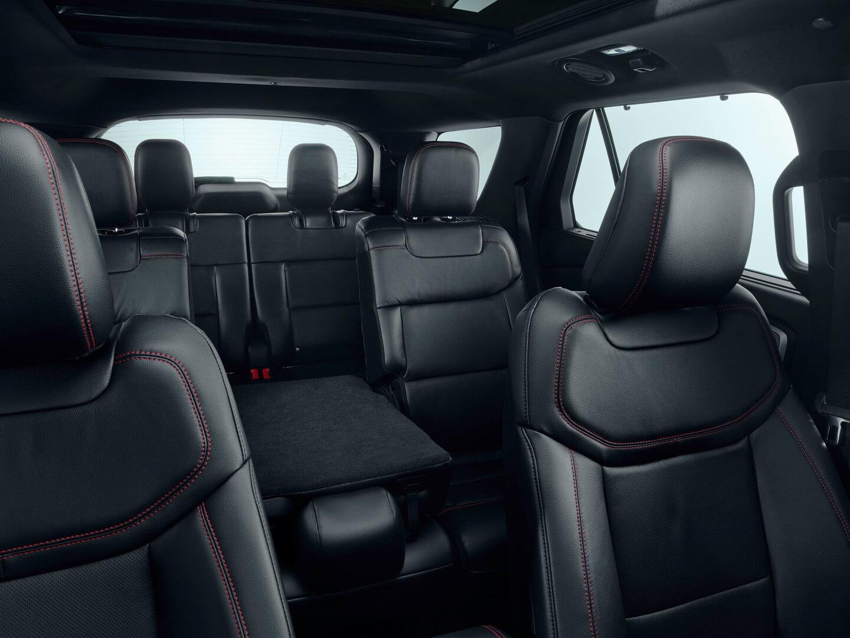 Салон Ford Explorer Plug-In Hybrid