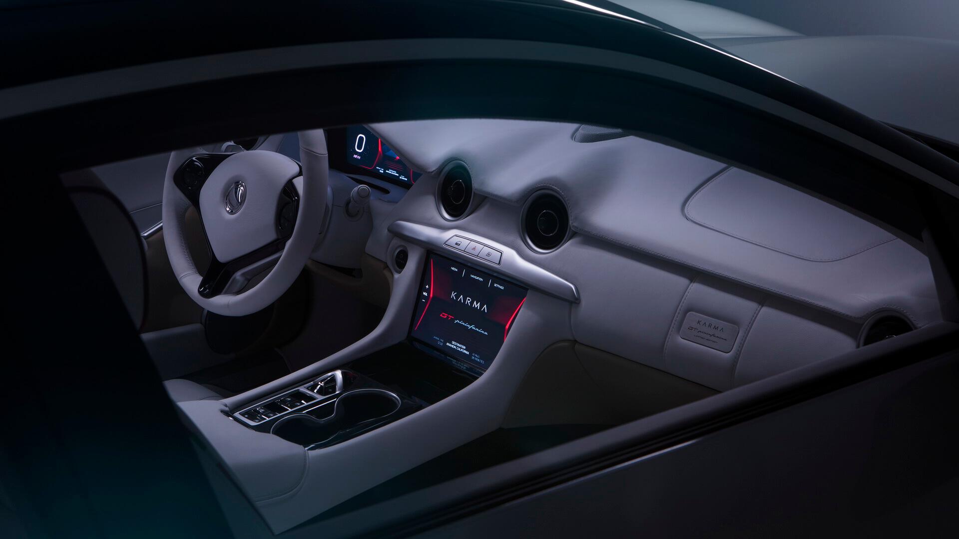 Интерьер салона плагин-гибрида Karma Pininfarina GT