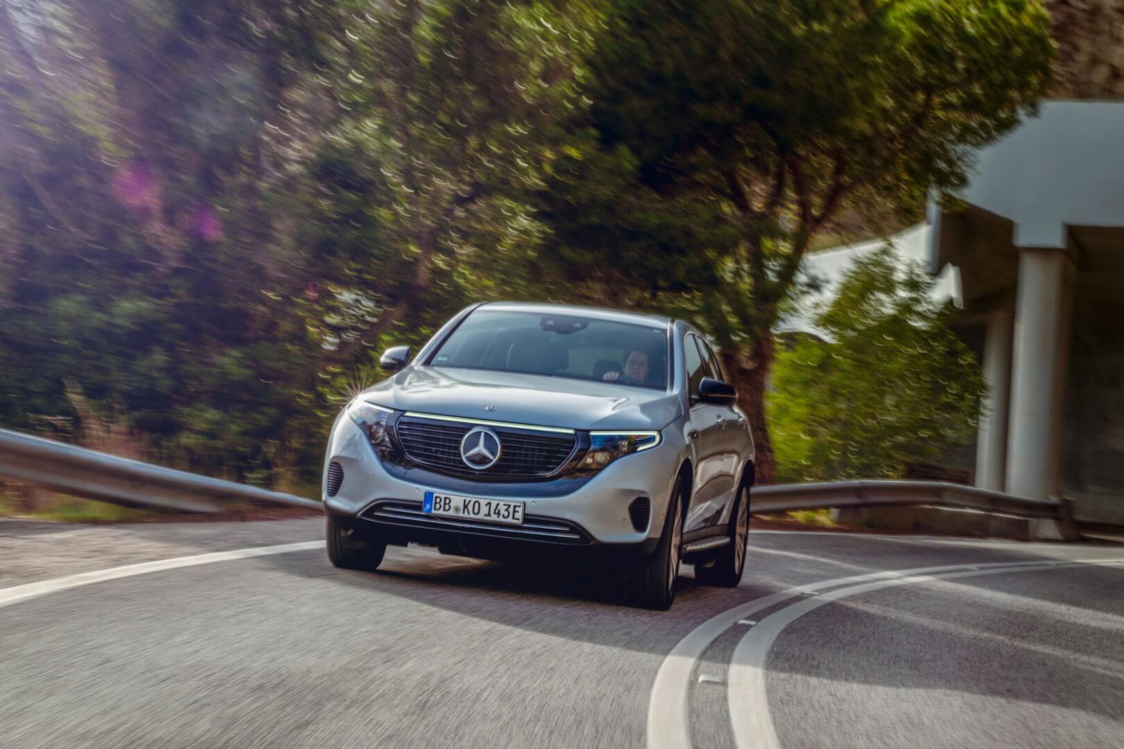 Mercedes-Benz представила эксклюзивную версию электрического кроссовера EQC