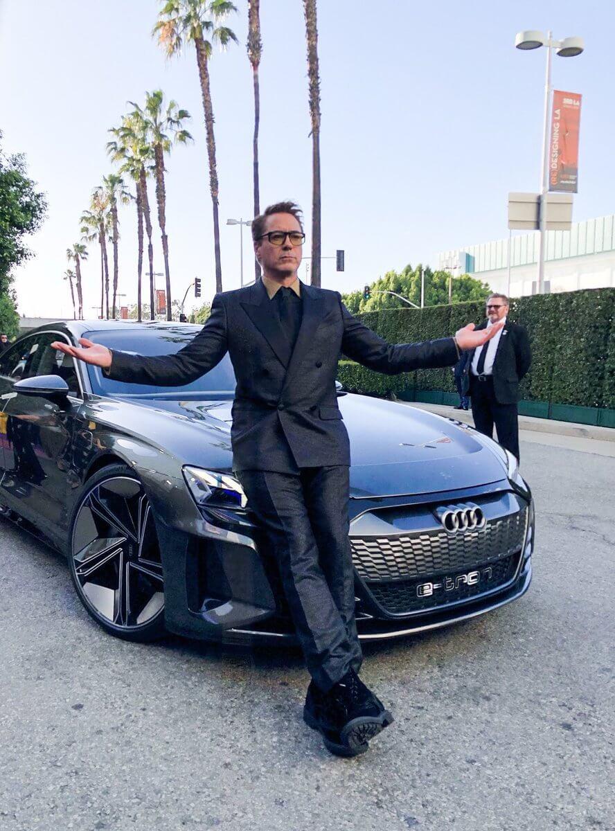 Тони Старк прибыл на Audi e-tron GT на премьеру «Мстители»