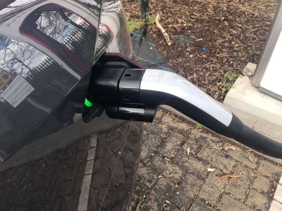 Зарядка электромобиля Tesla через CCS адаптер