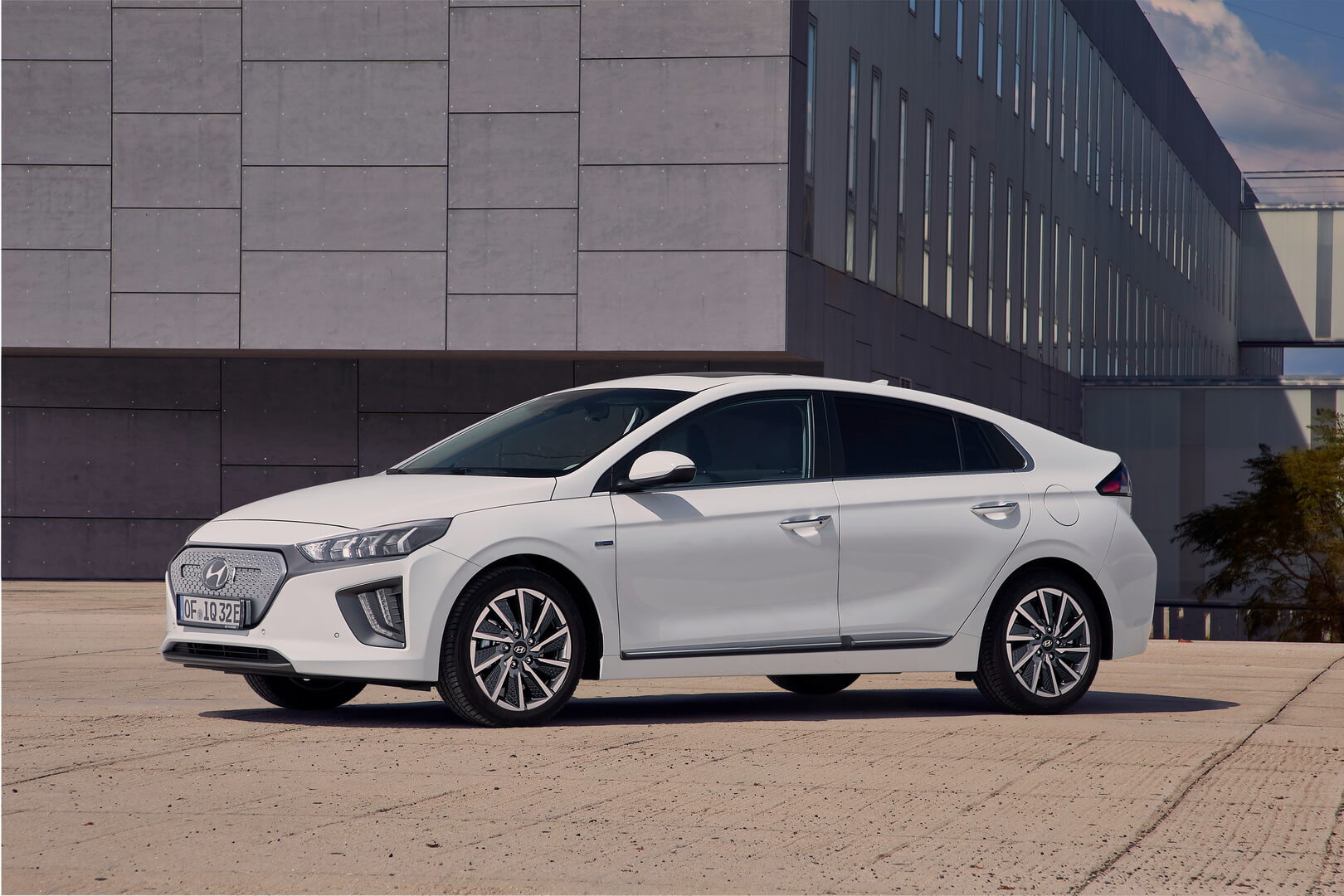 Hyundai IONIQ Electric 2019 - фото 3