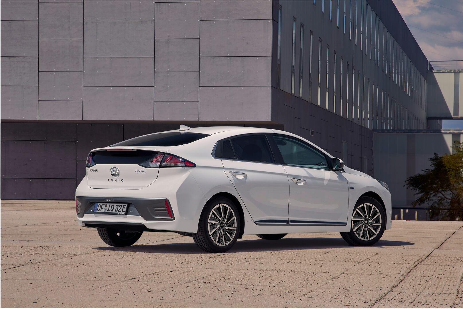Hyundai IONIQ Electric 2019 - фото 2