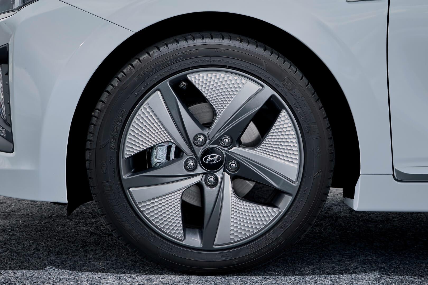 Новые 17-дюймовые диски Hyundai Ioniq Hybrid