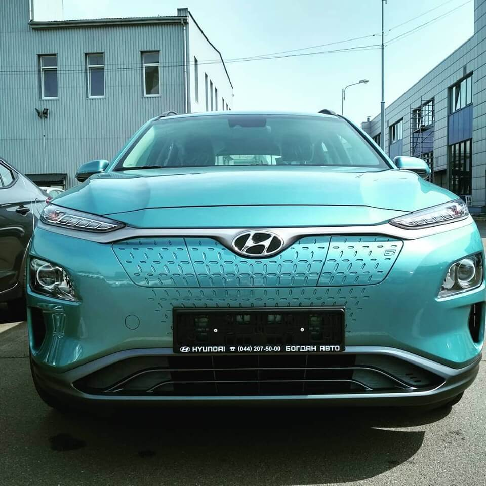 В Украину привезли первую официальную партию Hyundai Kona Electric