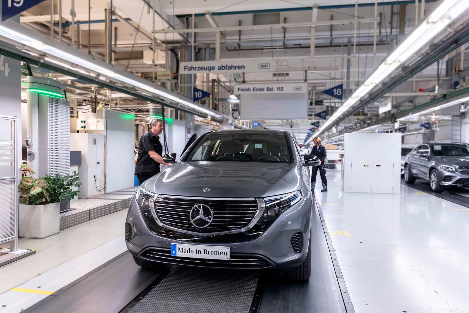 Mercedes-Benz начал производство ипродажу электрического кроссовера EQC