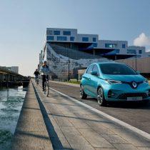 Фотография экоавто Renault ZOE Z.E. 50 - фото 2