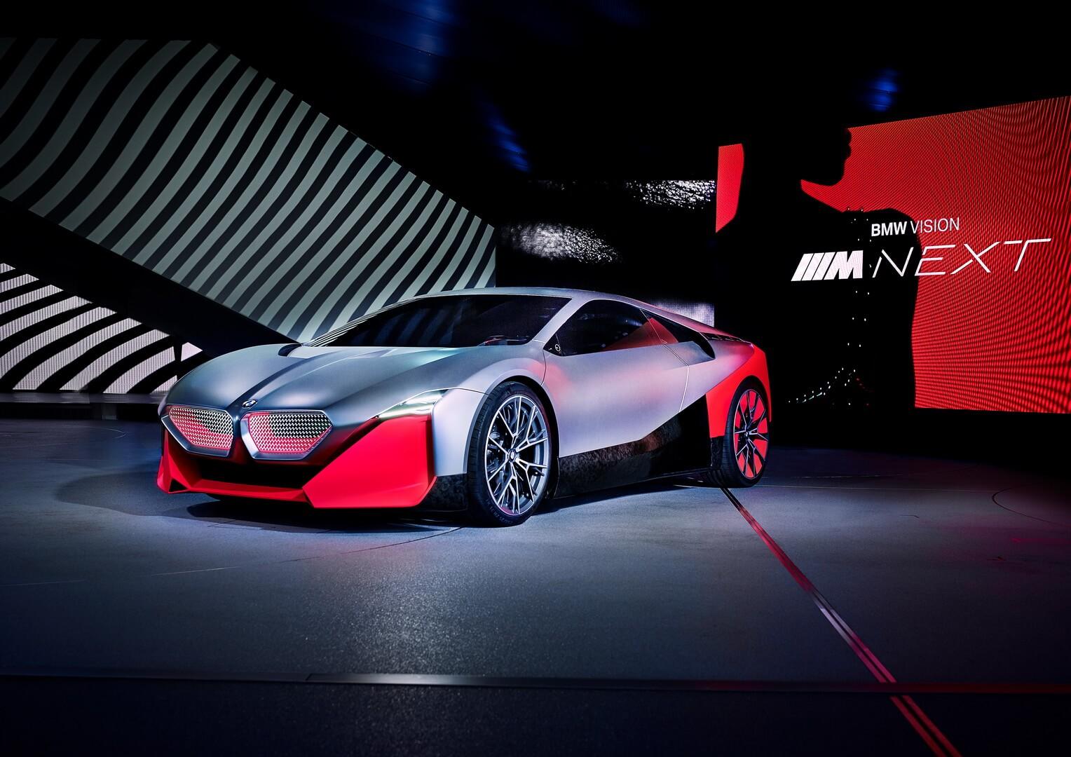 BMW Vision M NEXT: плагин-гибрид с запасом хода 100 км