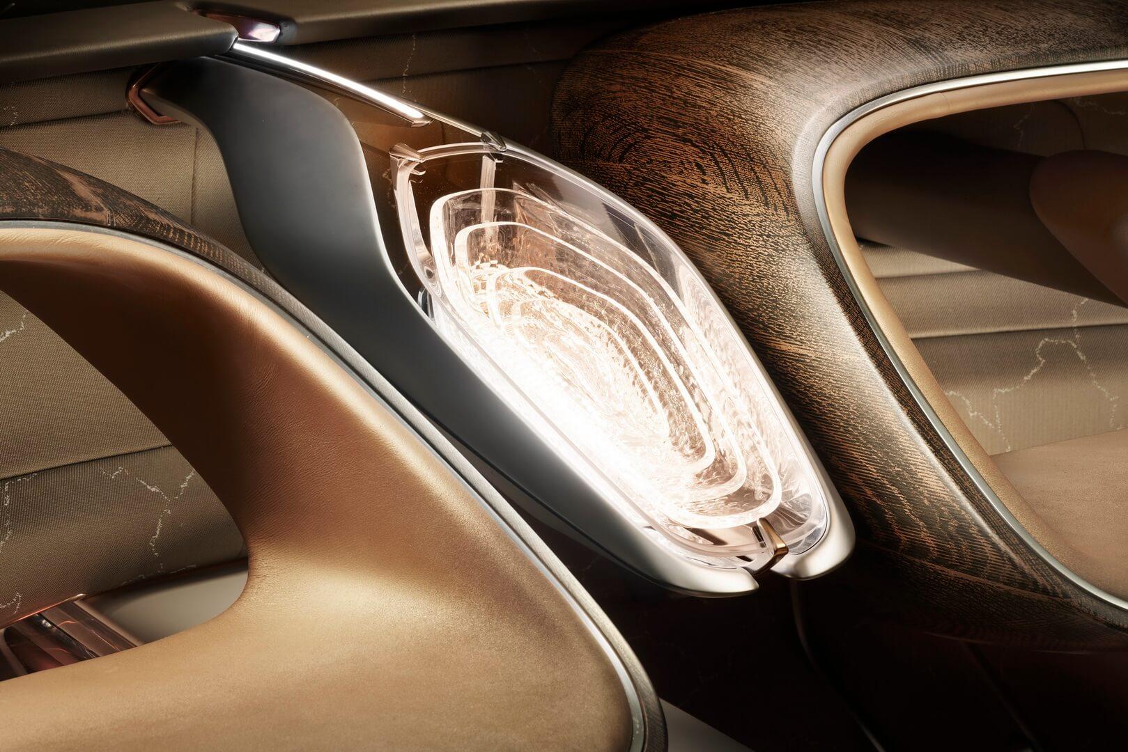 Интерьер Bentley EXP 100 GT
