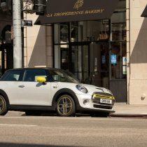 Фотография экоавто MINI Cooper SE - фото 25