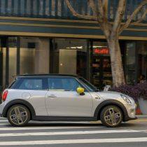 Фотография экоавто MINI Cooper SE - фото 15