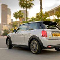 Фотография экоавто MINI Cooper SE - фото 11