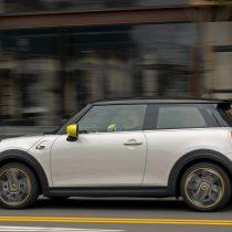 Фотография экоавто MINI Cooper SE - фото 18
