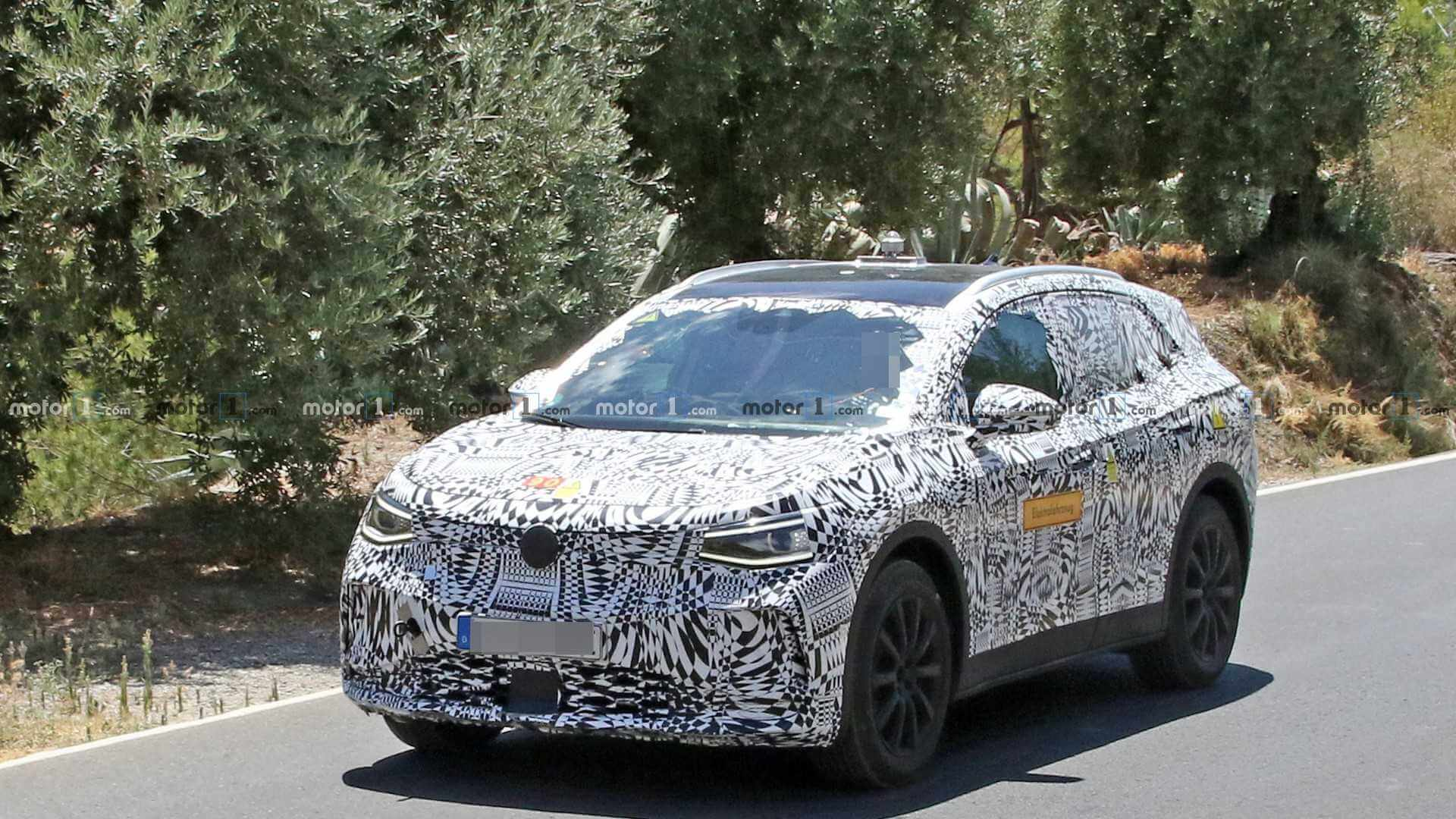 Volkswagen ID. Crozz в камуфляже проходит испытания на дорогах Европы