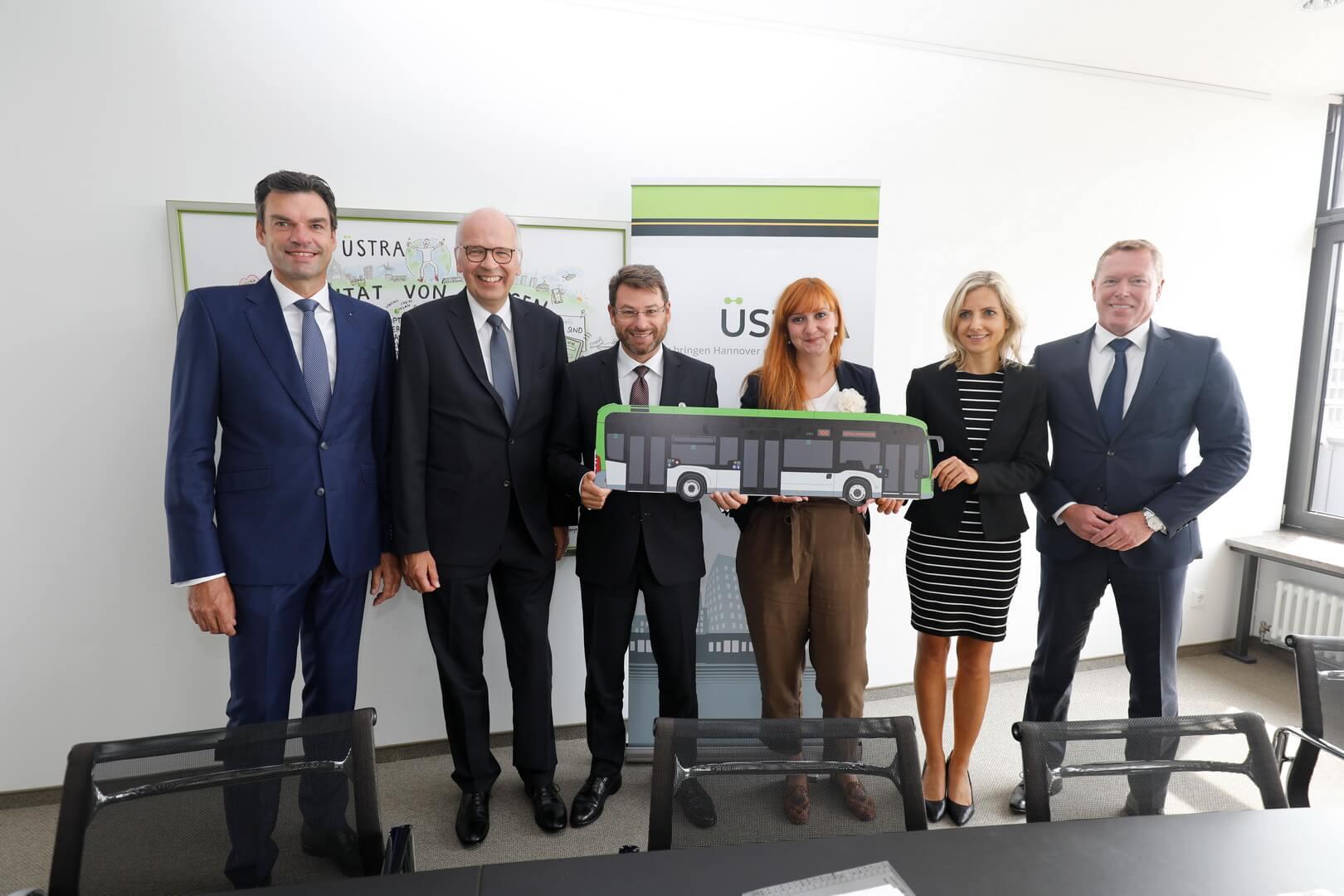Daimler поставит ÜSTRA 30 электрических автобусов eCitaro длиной 12 метров и 18 электрических автобусов eCitaro G длиной 18 метров