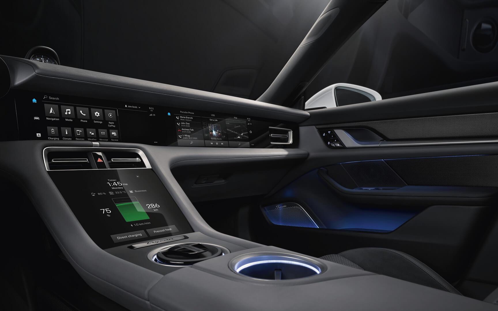 Интерьер электромобиля Porsche Taycan