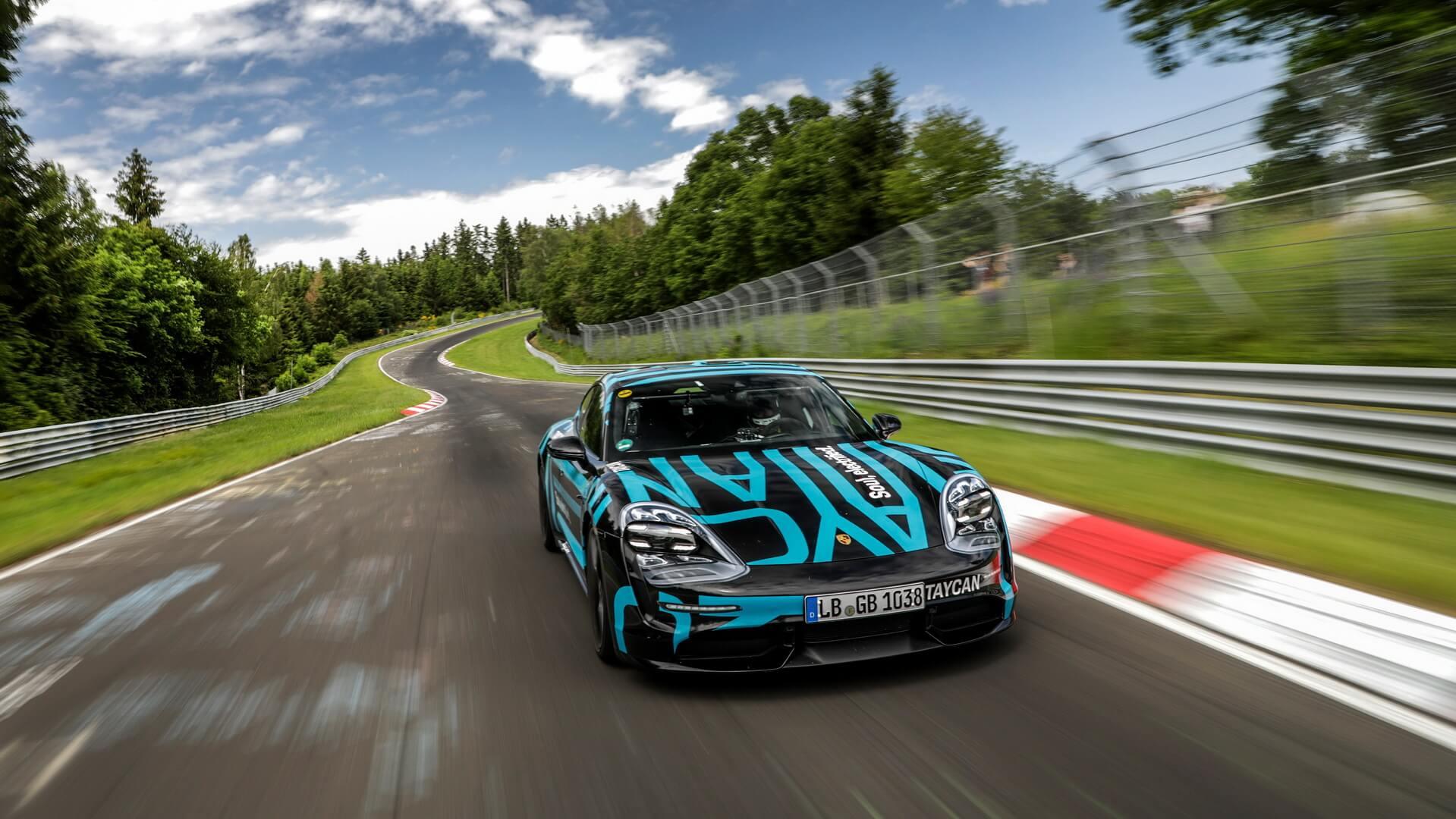 Porsche Taycan — самый быстрый четырехдверный электромобиль на трассе Нюрбургринг Нордшляйфе