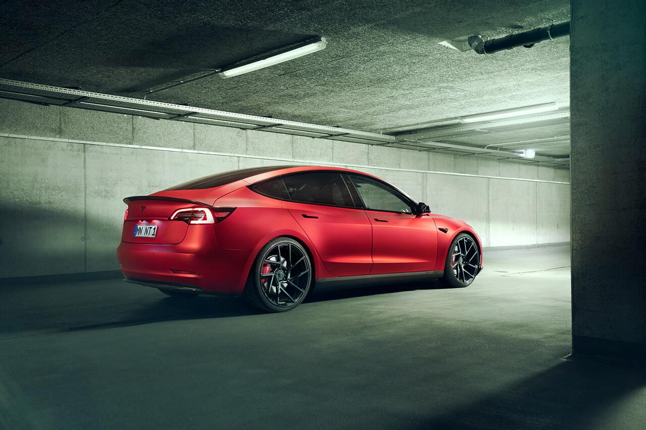 Novitec предложила для Tesla Model 3 спортивный тюнинг-пакет