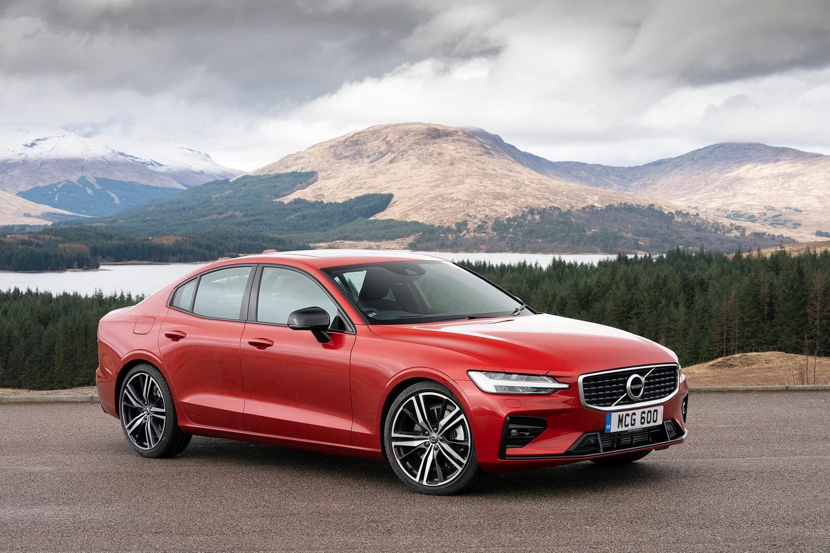 Volvo дополнила линейку S60 полноприводным плагин-гибридом T8Twin Engine