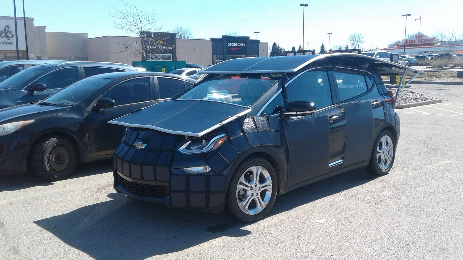 Канадец превратил Chevrolet Bolt EV в«солнечный» электромобиль
