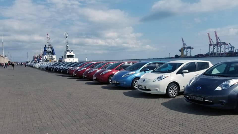 Построение электромобилей на Морвокзале в Одессе