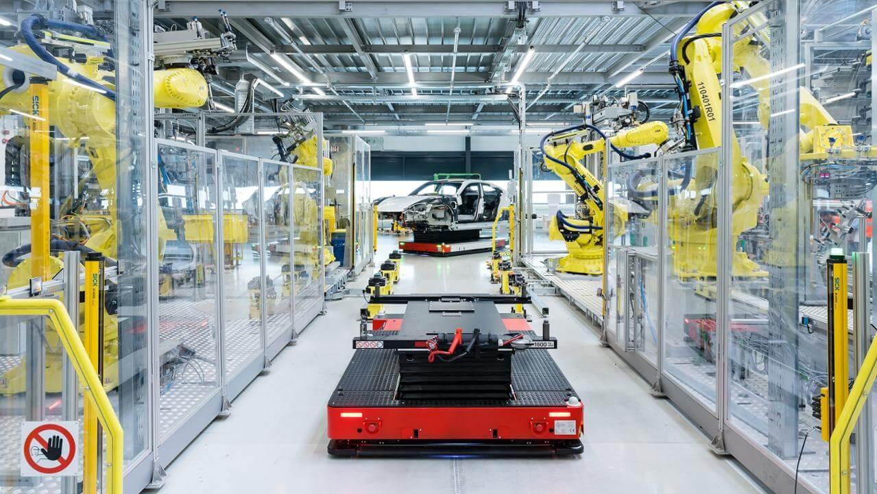 Производство Porsche Taycan начнется 9 сентября на его новом заводе в Цуффенхаузене