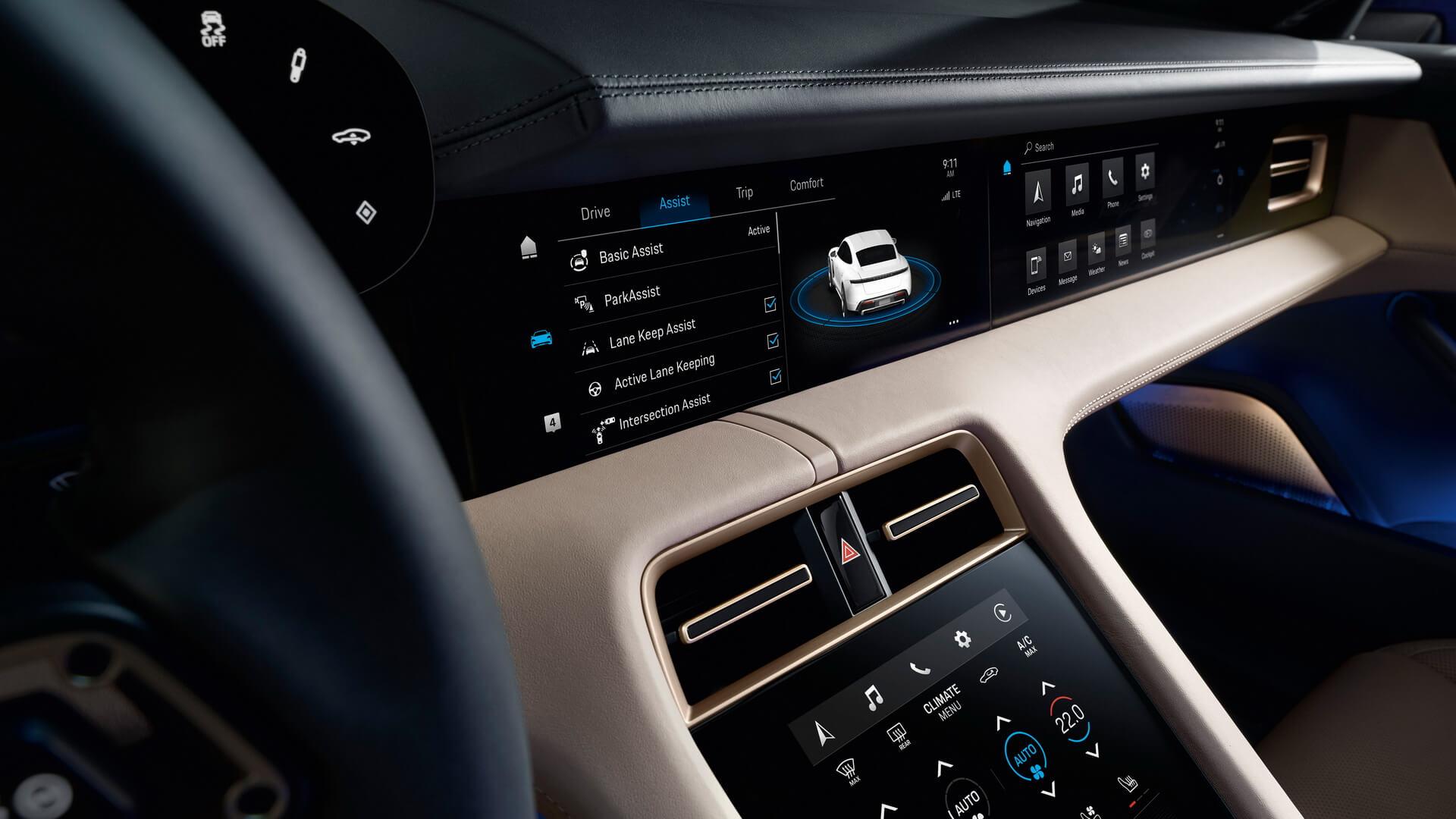 Дисплей приборов диагональю 16,8 дюймов в Porsche Taycan