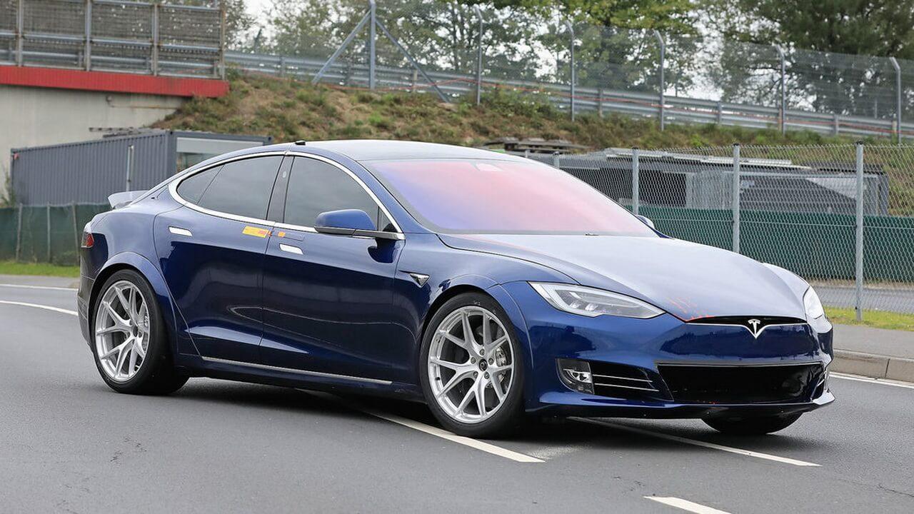 Испытания прототипа Tesla Model SнаНюрбургринге