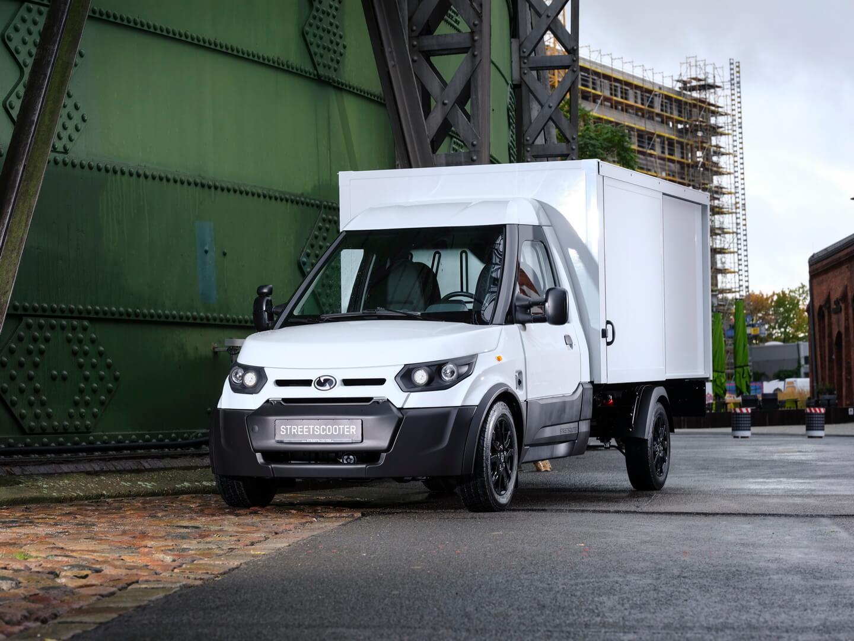 DHL представляет новую версию популярного электрофургона StreetScooter